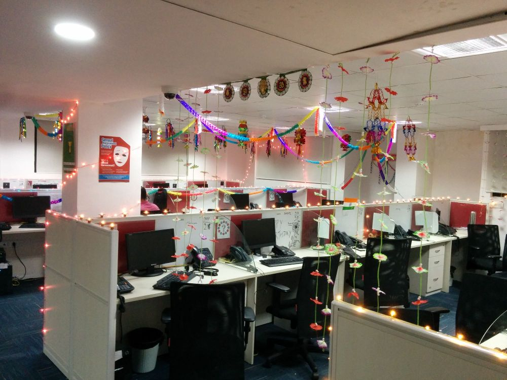 Decorate your office for this festive season