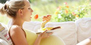 गर्भवती महिला को करना चाहिए इनसे परहेज