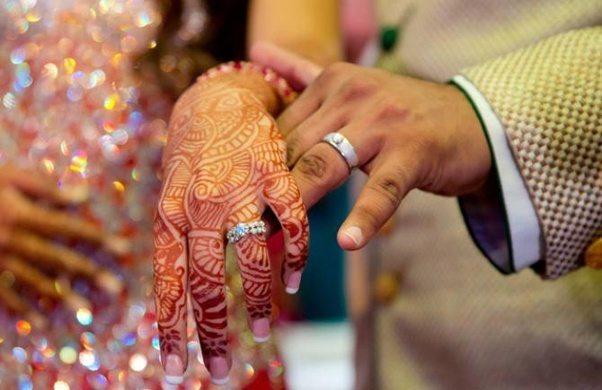 हिन्दू लड़की ने रखी शर्त, पहले अपना धर्म बदलो, फिर रचाओ शादी