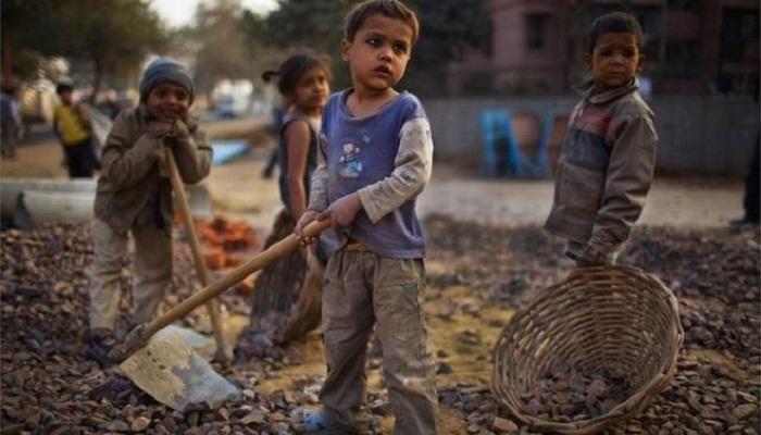 जानिए कैसे है मासूमों का भविष्य खतरे में है- बाल मजदूरी