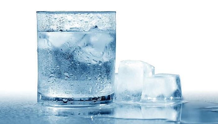 कोल्ड ड्रिंक से ज्यादा ठंडे पानी से होने लगे सेहत को नुकसान