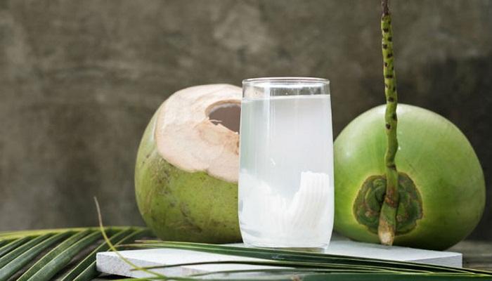 नारियल पानी के ऐसे 5 फायदे जो मदद करे भयंकर रोगो से लड़ने मे