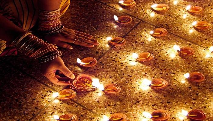 जाने दिवाली पर कौनसे शुभ मुहूर्त पर करे पूजा और पाए अच्छे गुण