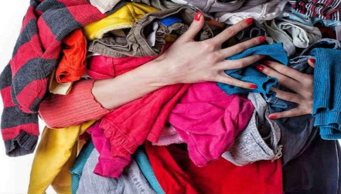 होगा भरी नुक्सान अगर घर मे रखी है फटे पुराने कपड़ो की पोटली