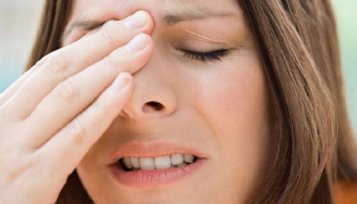 साइनस की समस्या से हैं परेशान? इन घरेलू उपचार से मिलेगा जल्द आराम