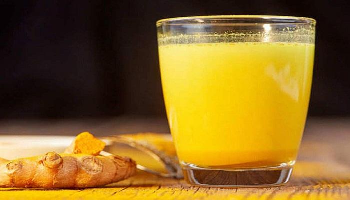 जानिये हल्दी वाले दूध के बेमिसाल फायदे
